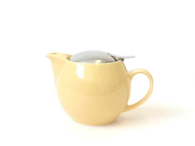 round banana teapot